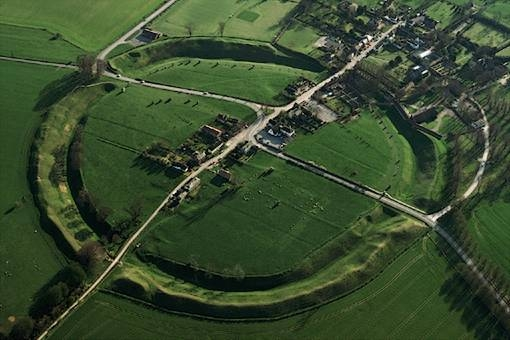 Avebury . Image : www.counter-currents.com